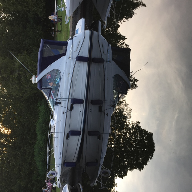 2001 Four Winns boat for sale, model of the boat is 328 Vusta & Image # 2 of 23