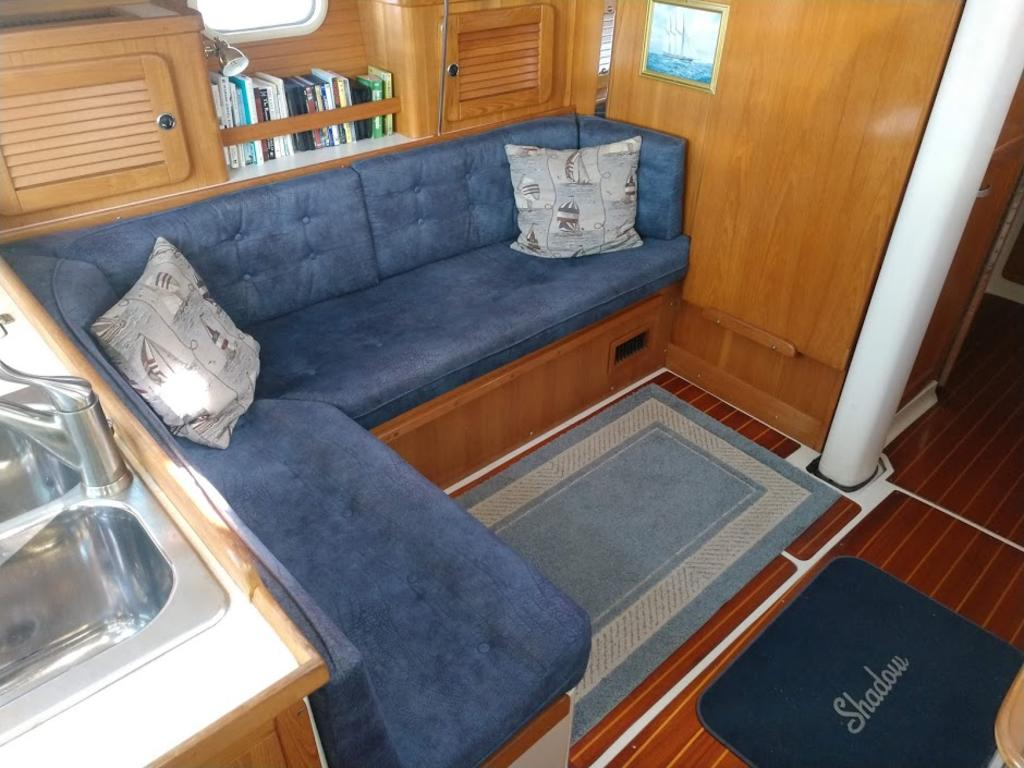 2000 Catalina Yachts Cruiser Series boat for sale, model of the boat is 36 MKII & Image # 5 of 12