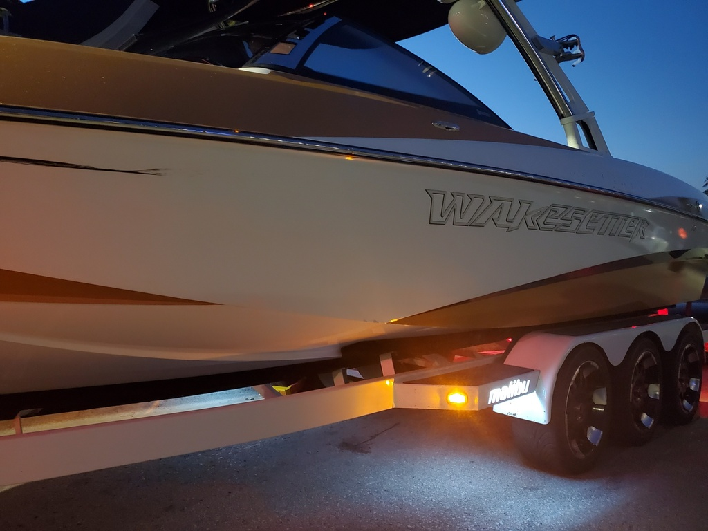 2011 Malibu boat for sale, model of the boat is Wakesetter 247 LSV & Image # 14 of 20