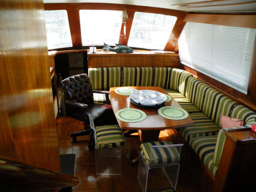 1987 Gulfstar boat for sale, model of the boat is cabin cruser & Image # 3 of 15