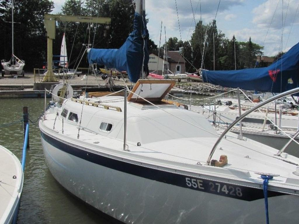 1974 Ericson boat for sale, model of the boat is Ericson 27 & Image # 5 of 8