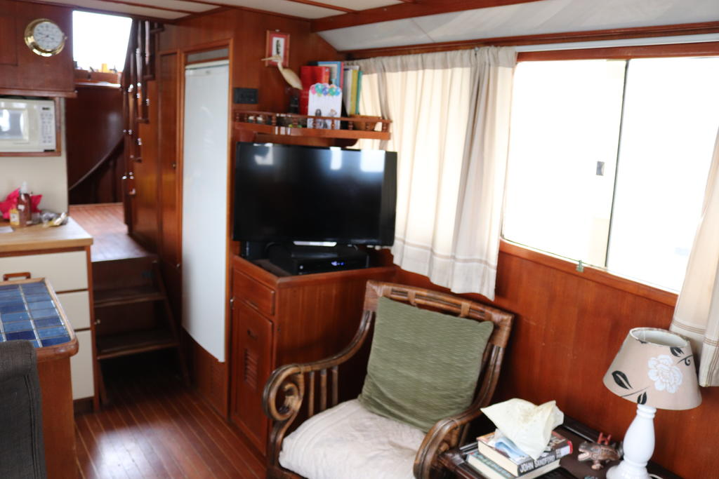 1981 Sea Ranger boat for sale, model of the boat is Pilot House & Image # 6 of 24