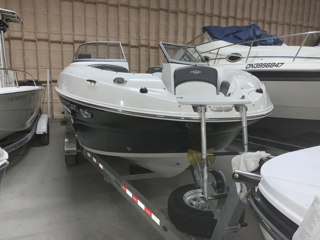 2017 Stingray boat for sale, model of the boat is 215 LR & Image # 10 of 13