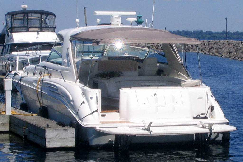 1997 Sea Ray boat for sale, model of the boat is 45 Sundancer Sportyacht & Image # 2 of 10