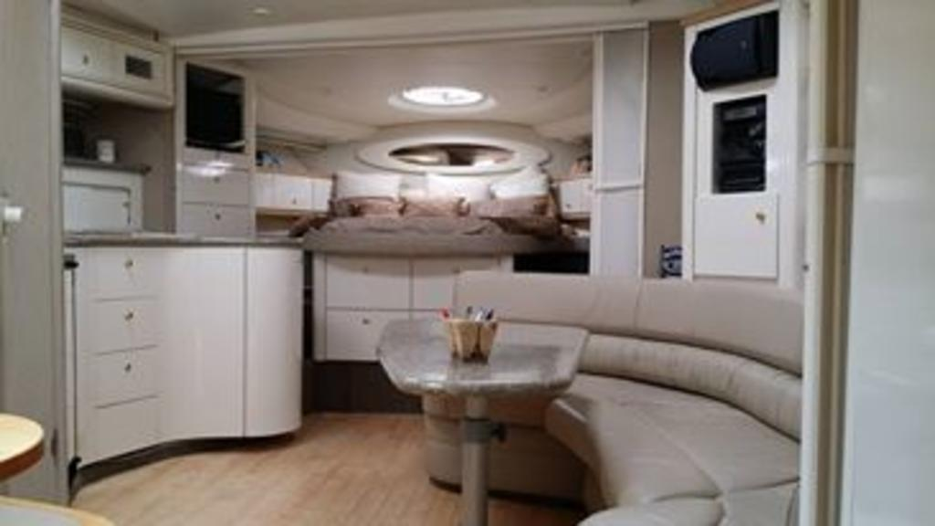 1999 Maxum boat for sale, model of the boat is 4100SCR & Image # 2 of 8