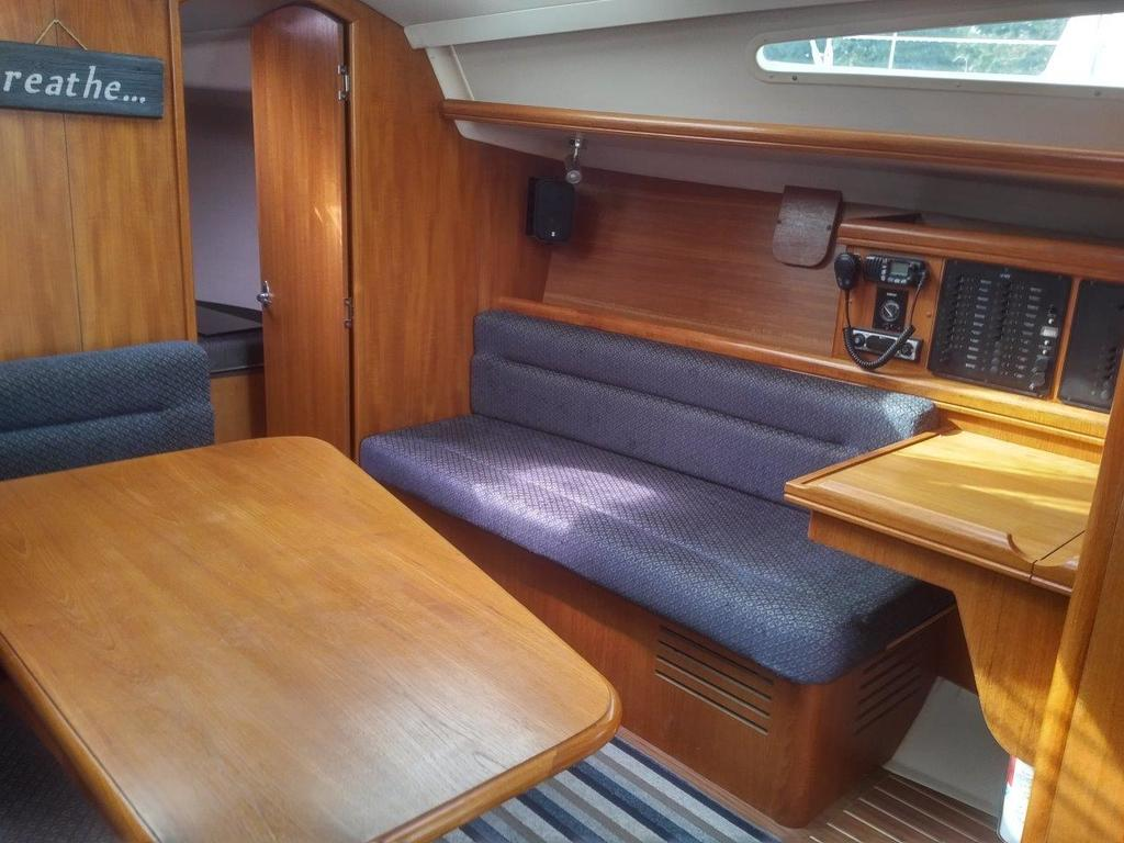 2007 Hunter boat for sale, model of the boat is 33 & Image # 6 of 8