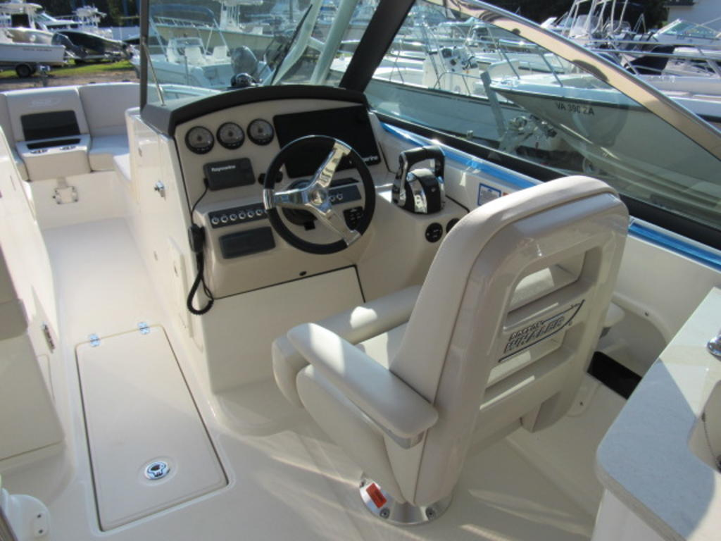 2019 Boston Whaler boat for sale, model of the boat is 270 Vantage & Image # 7 of 22