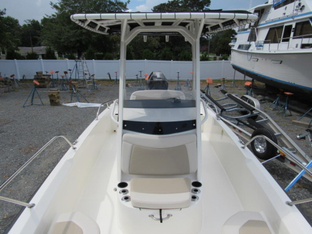 2019 Boston Whaler boat for sale, model of the boat is 240 Dauntless & Image # 24 of 27