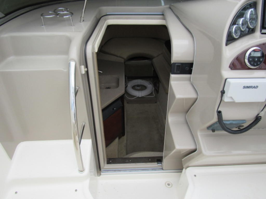 2006 Sea Ray boat for sale, model of the boat is 270 Amberjack & Image # 25 of 48