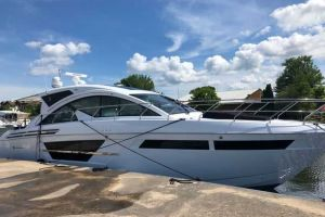 2020 CRUISERS YACHTS 54CANTIUS for sale