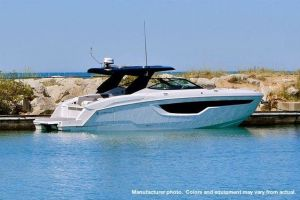 2021 CRUISERS YACHTS 38GLS I/O for sale