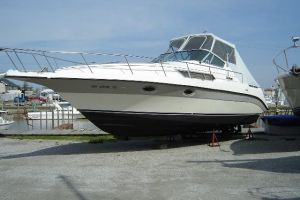 1988 CRUISERS YACHTS 3110 for sale