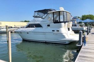 2001 CRUISERS YACHTS 3750 MY for sale