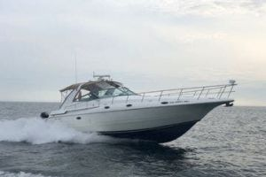 1997 CRUISERS YACHTS 4270 for sale