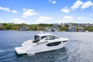2021 CRUISERS YACHTS 42 CANTIUS for sale