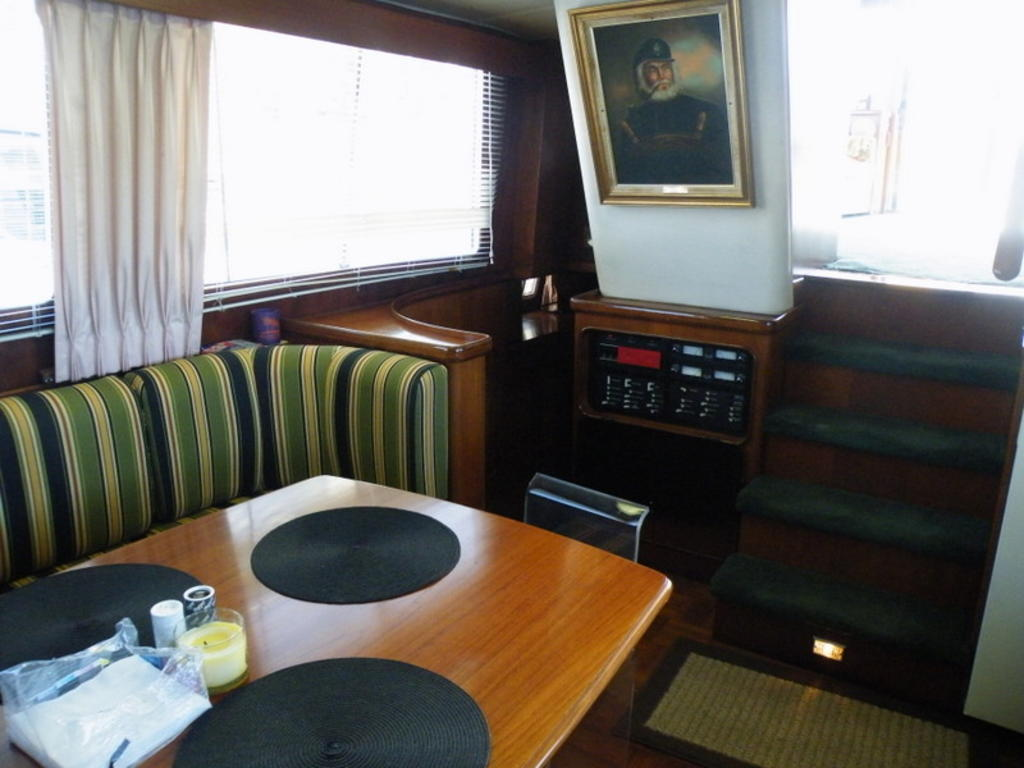 1987 Gulfstar boat for sale, model of the boat is cabin cruser & Image # 5 of 15