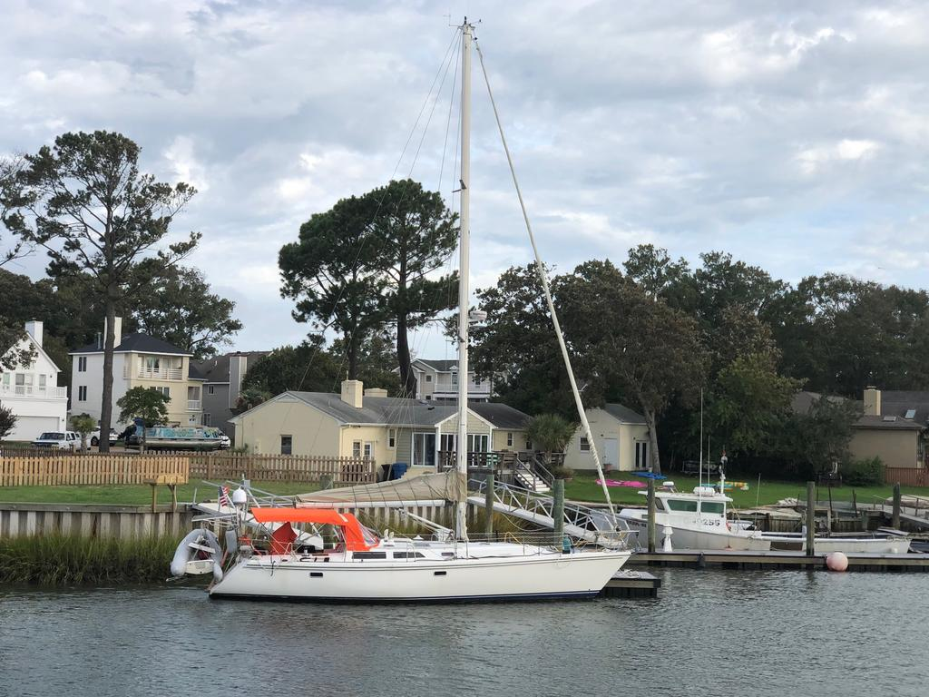1993 Catalina Yachts Cruiser Series boat for sale, model of the boat is 42 & Image # 1 of 14