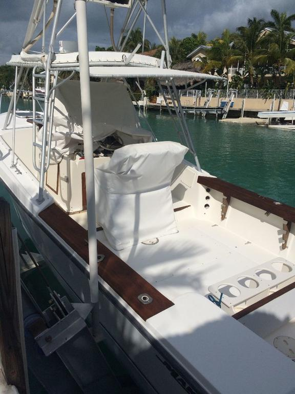 1985 Mako boat for sale, model of the boat is 284  CC Cuddy Cabin & Image # 7 of 15