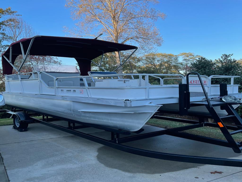1989 Lowe boat for sale, model of the boat is RESTORED - ALL NEW WITH 40 HP, WITH TRAILER AND BOAT COVER & Image # 7 of 9