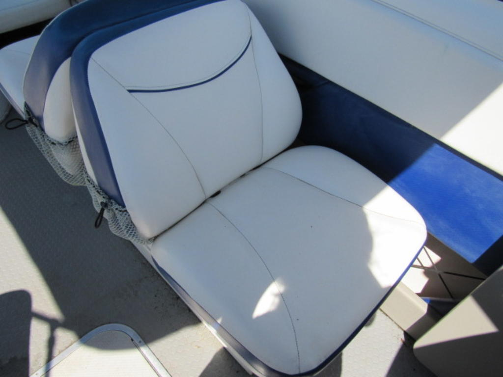 2008 Bayliner boat for sale, model of the boat is 210 Discovery & Image # 24 of 31