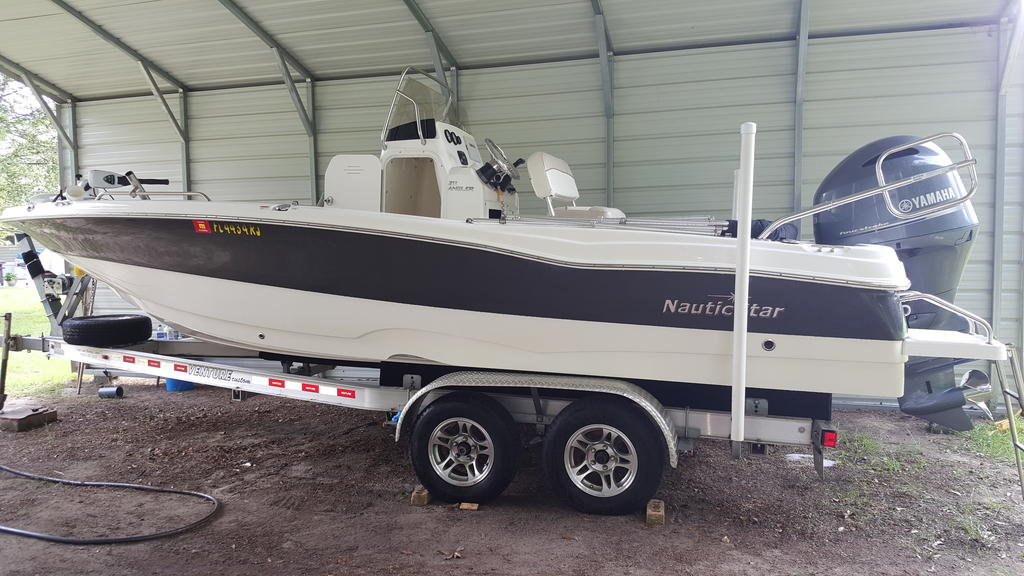 2017 Nautic Star boat for sale, model of the boat is 211 Angler & Image # 1 of 7