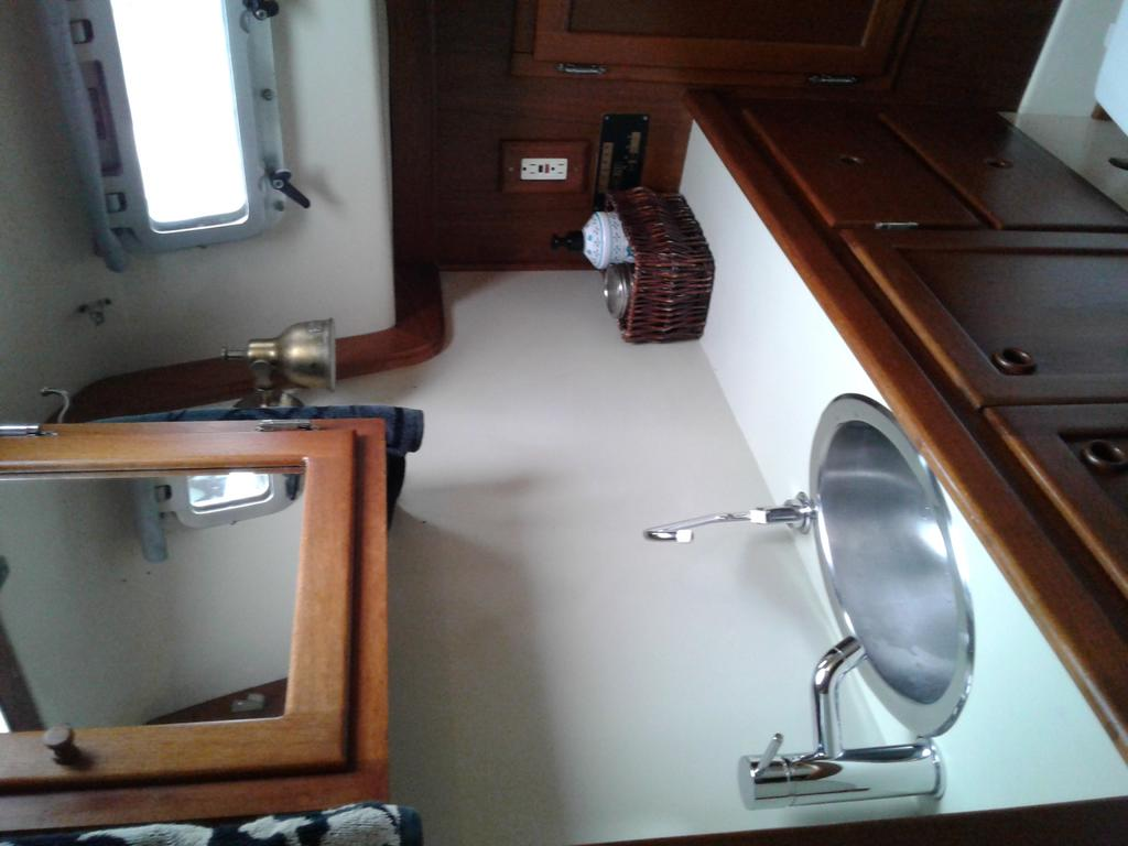 1986 Bayfield Yachts boat for sale, model of the boat is 36 & Image # 10 of 17