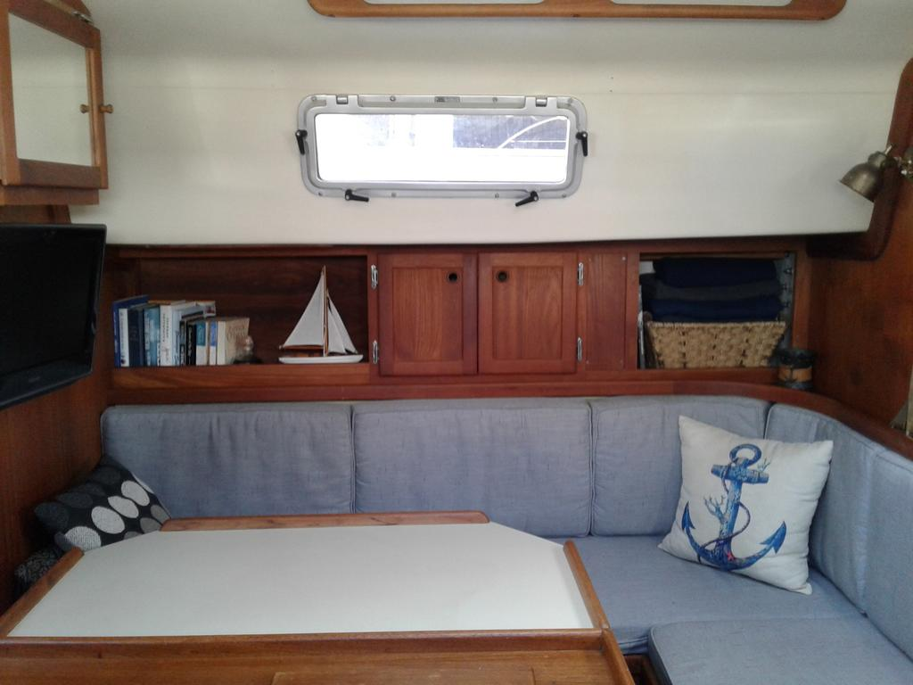 1986 Bayfield Yachts boat for sale, model of the boat is 36 & Image # 5 of 17