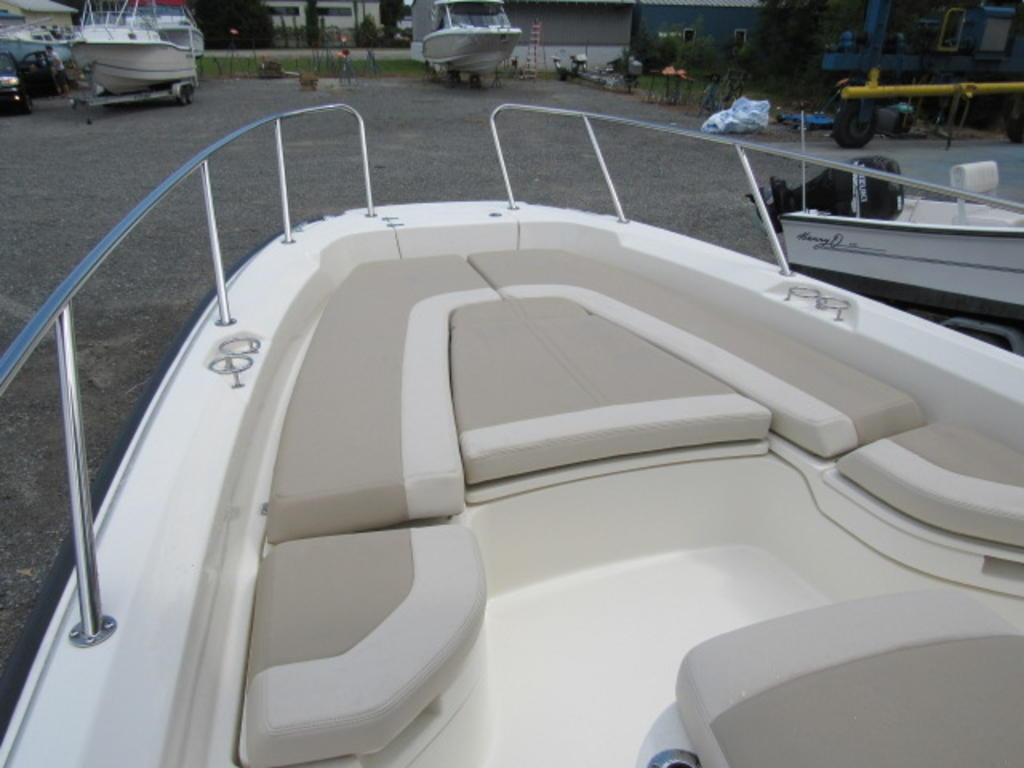 2019 Boston Whaler boat for sale, model of the boat is 240 Dauntless & Image # 21 of 27