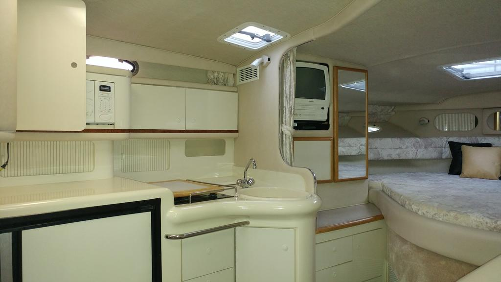 1996 Sea Ray boat for sale, model of the boat is 330 Sundancer DA & Image # 12 of 15