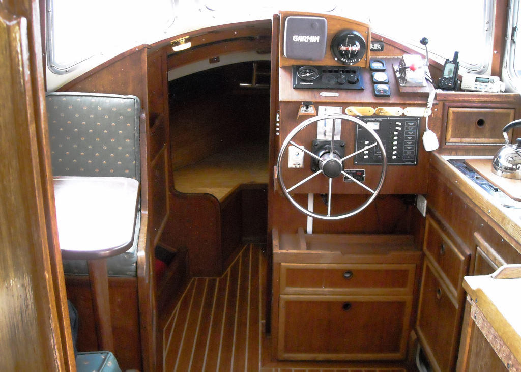 1989 Halman boat for sale, model of the boat is Bluejacket 23 MS Pilothouse & Image # 6 of 10