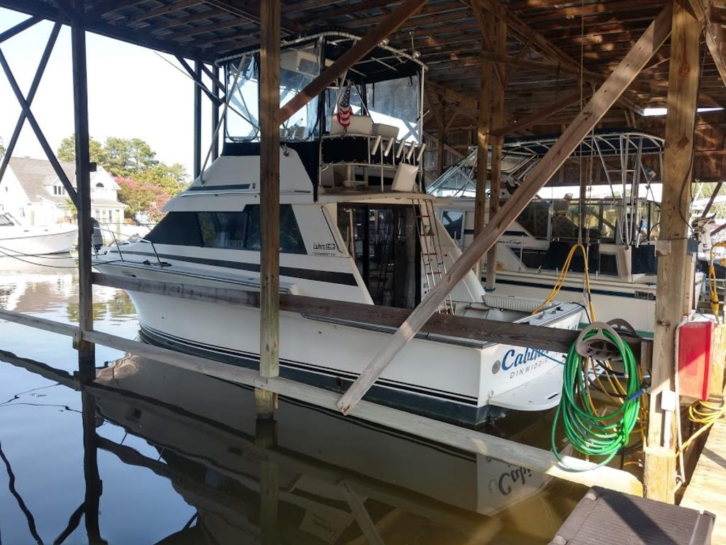1989 Luhrs boat for sale, model of the boat is 342 & Image # 1 of 9