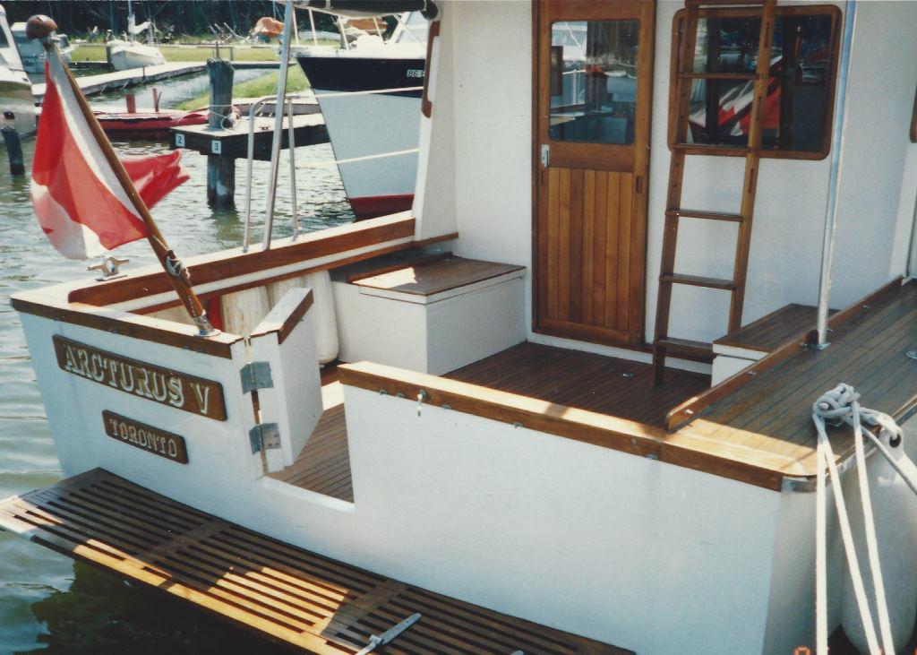 1980 Cheoy Lee boat for sale, model of the boat is 35 Sedan Trawler & Image # 2 of 18