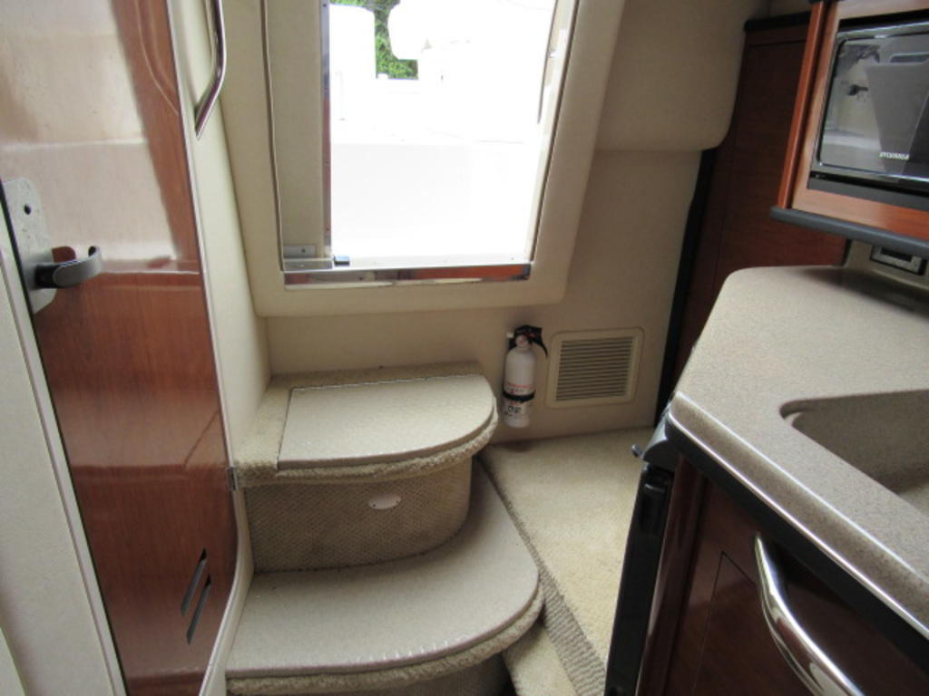 2006 Sea Ray boat for sale, model of the boat is 270 Amberjack & Image # 26 of 48