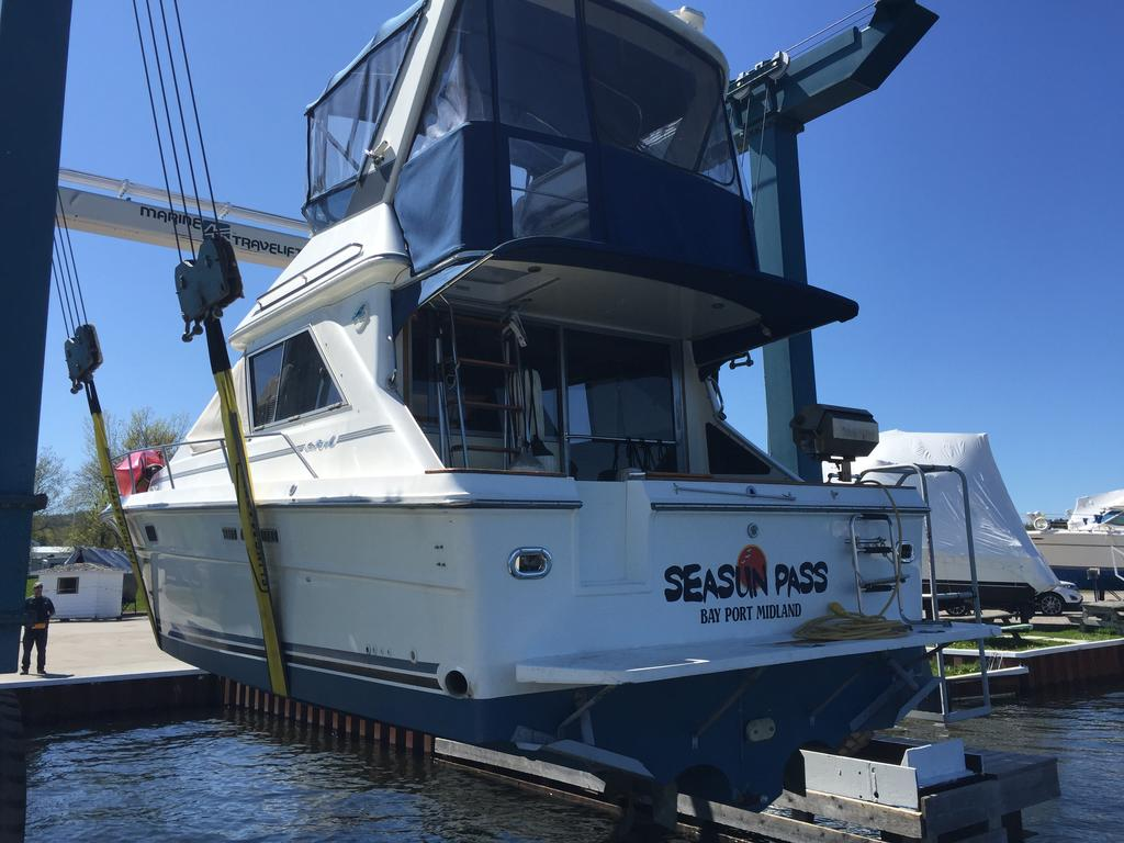 1989 Sea Ray boat for sale, model of the boat is 340 / 345 Sedan Bridge & Image # 50 of 52