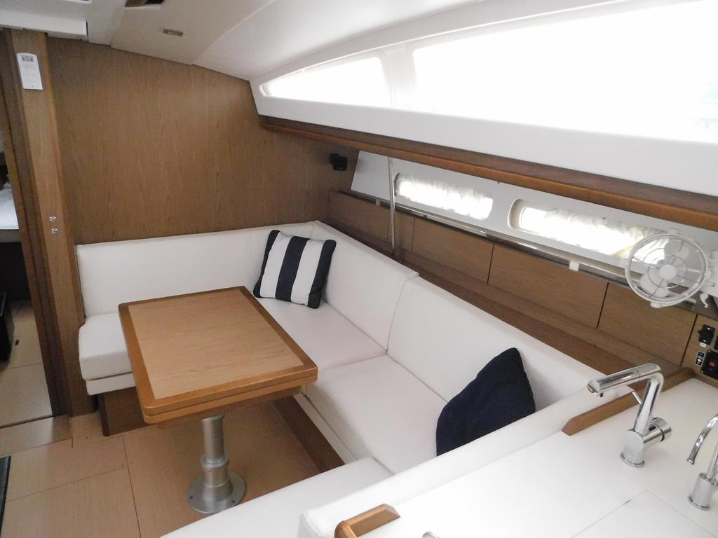 2012 Jeanneau boat for sale, model of the boat is SUN ODYSSEY 44DS & Image # 35 of 36