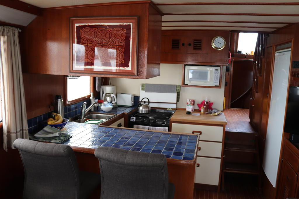 1981 Sea Ranger boat for sale, model of the boat is Pilot House & Image # 5 of 24