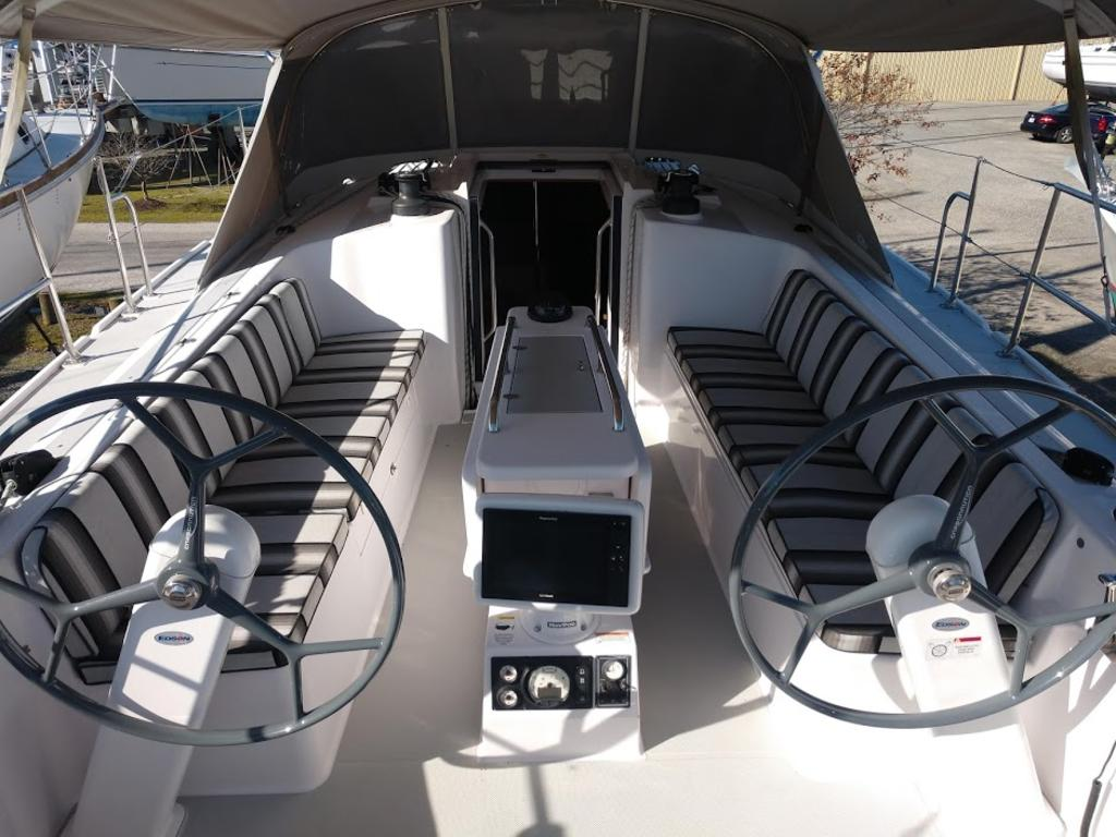 2017 Catalina Yachts Cruiser Series boat for sale, model of the boat is 425 & Image # 3 of 11